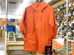 【マムートクリアランスセール開始】汗をぐんぐん出してくれる高機能防水ジャケット