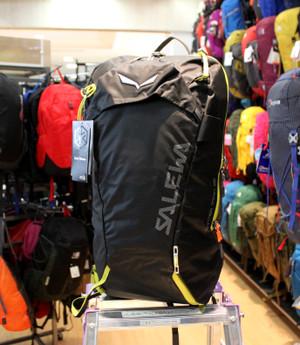 【要注目】 サレワのスキー用パック!