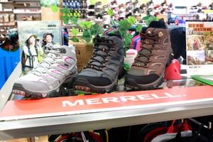 MERRELLのハイキングシューズ!!