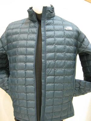 この時期便利な薄手の中綿入りジャケット